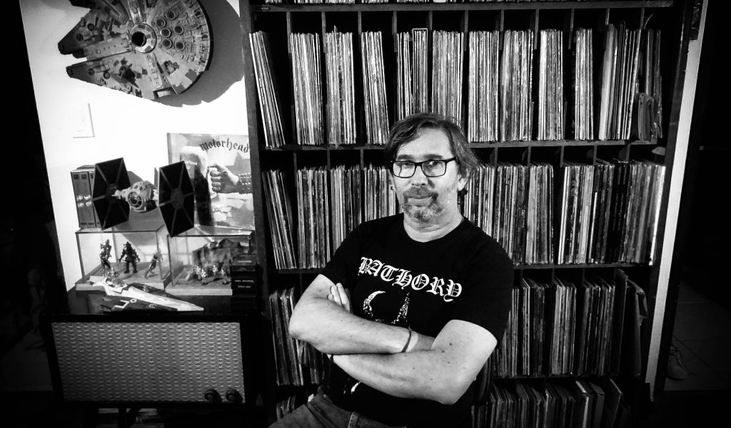 """Fig. 1: """"José Ignacio López Ramírez-Gastón, coautor del libro Espíritu del Metal (2018)"""". [Foto: Isabel Rojas]"""