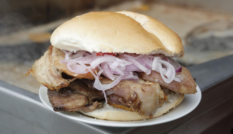 El Farolito. Se acompaña, religiosamente, con sarza criolla y láminas de camote frito. Se encuentra en Prolongación Iquitos 1500, Lince. (Foto: Facebook / El Farolito)