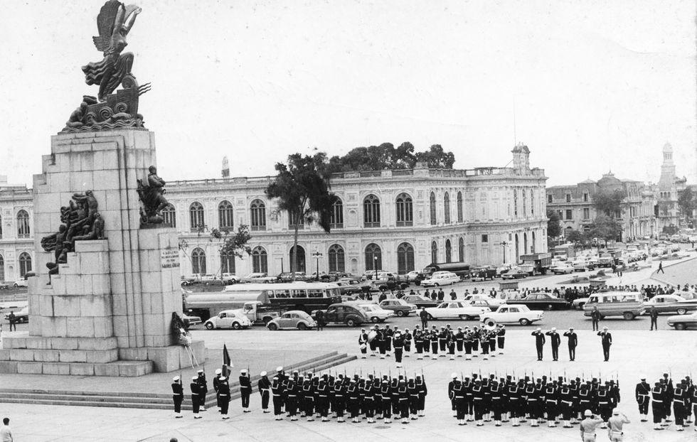 Homenaje a Miguel Grau por los 90 años del combate de Angamos el 8 de octubre de 1969. (Foto: Archivo Histórico El Comercio)
